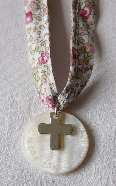 communion-collier-croix