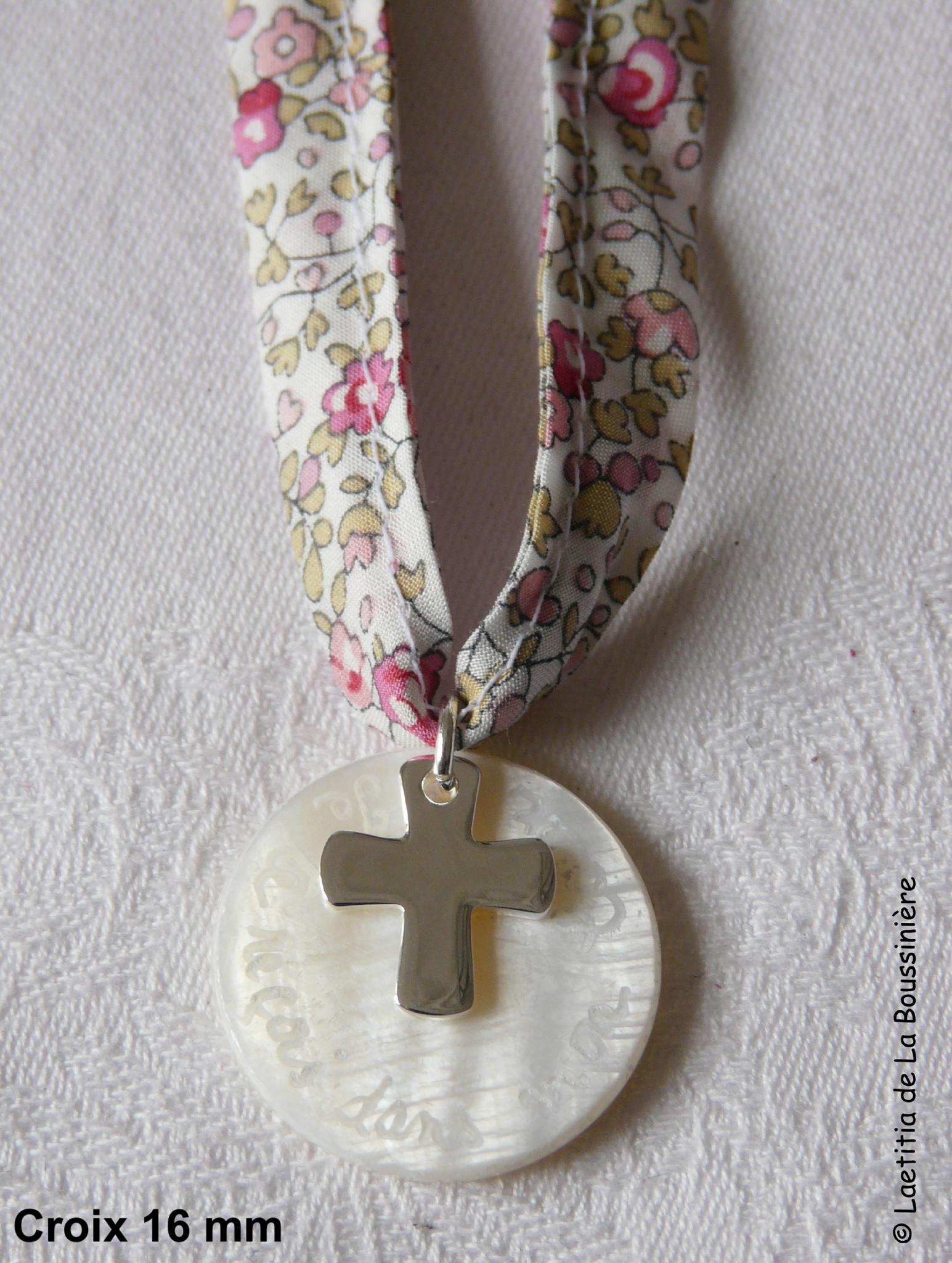 Collier de Communion sur ruban