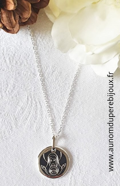 Collier médaille de Vierge à l'Enfant en argent massif sur chaîne