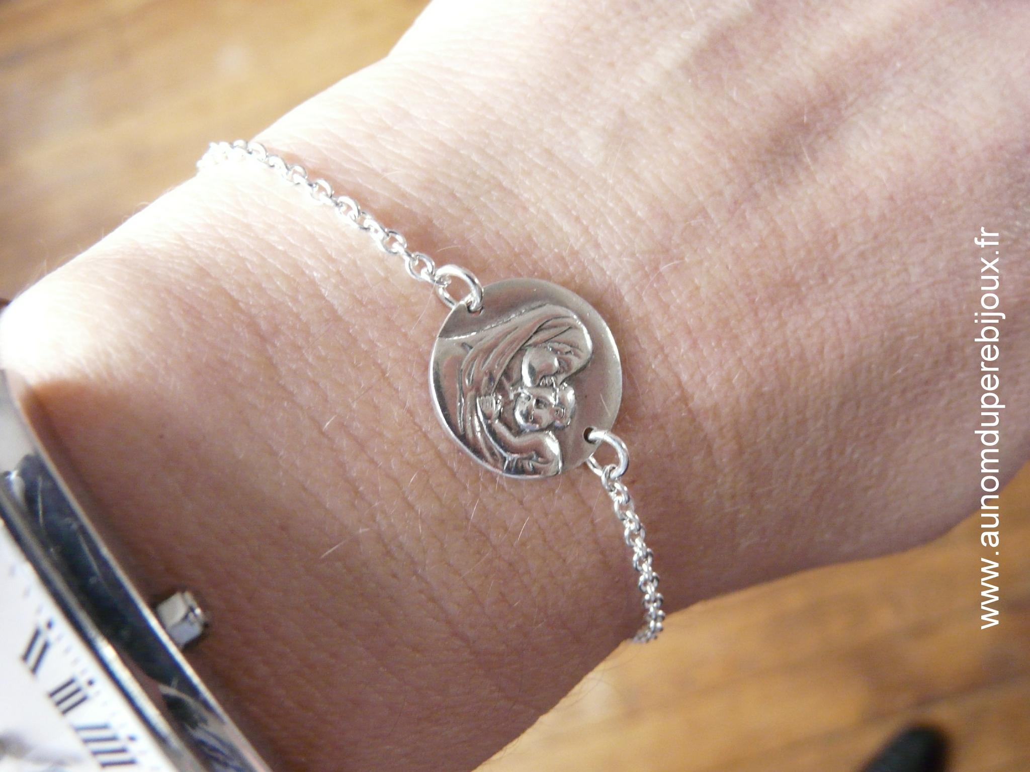 Bracelet médaille Vierge à l'Enfant sur chaîne argent massif fine