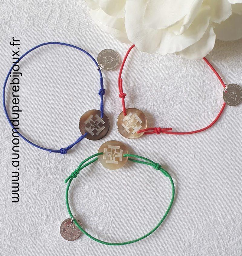 Bracelet scout sur cordon élastique